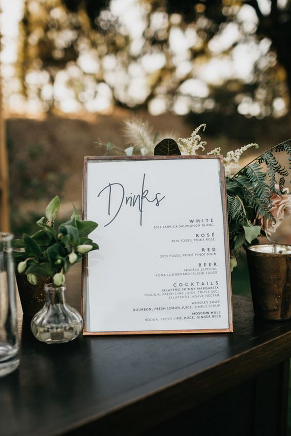 simple chic wedding reception sign ideas