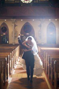 bride and groom church wedding photo ideas