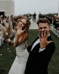 sweet bride and groom wedding photography ideas