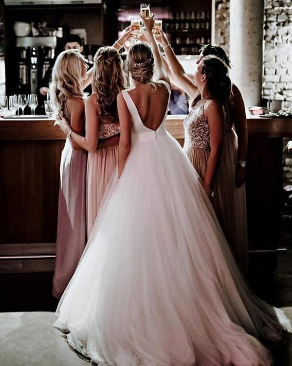 creative wedding photo with bridesmaids