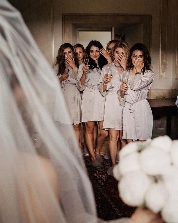 getting ready wedding photo ideas bridal party