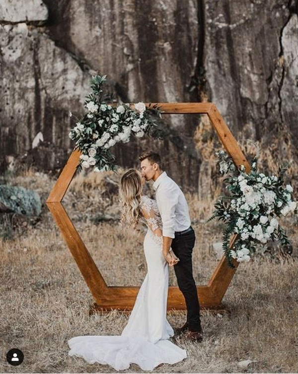 simple chic outdoor geometric wedding arch ideas