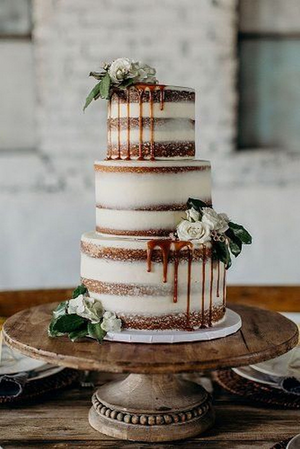 simple and rustic wedding cake