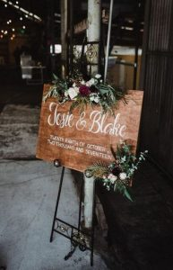chic rustic wedding sign ideas