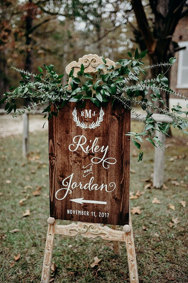 woodland boho wedding sign ideas for outdoor weddings