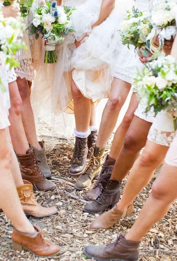 bridal party wedding photo ideas with cowgirl boots