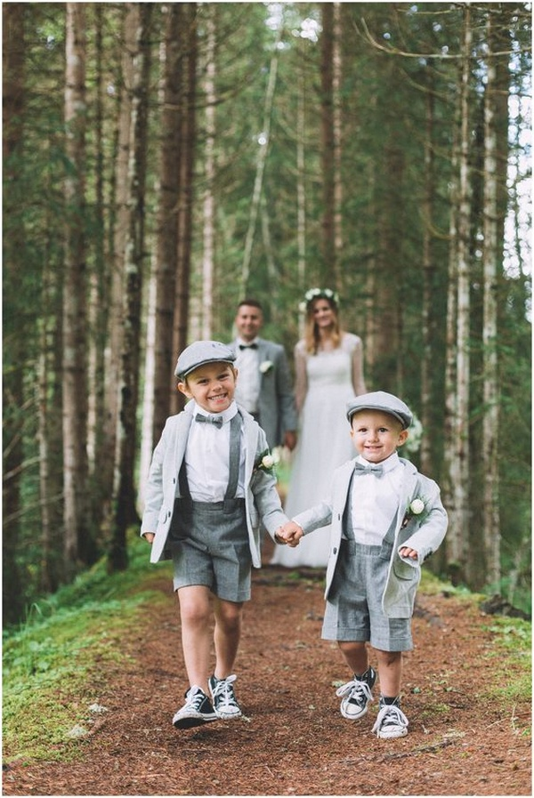 forest wedding photo ideas with kids