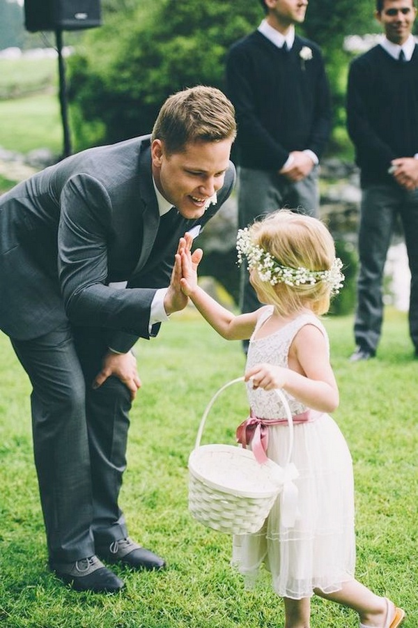 groom and flower girl wedding photo ideas