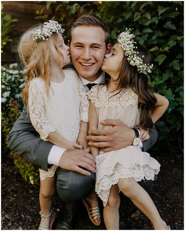 groom and flower girls wedding photo ideas