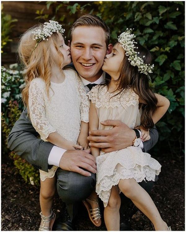 groom and flower girls wedding photo ideas