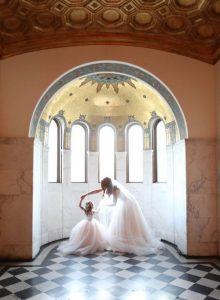 heartwarming mother darughter wedding photo ideas