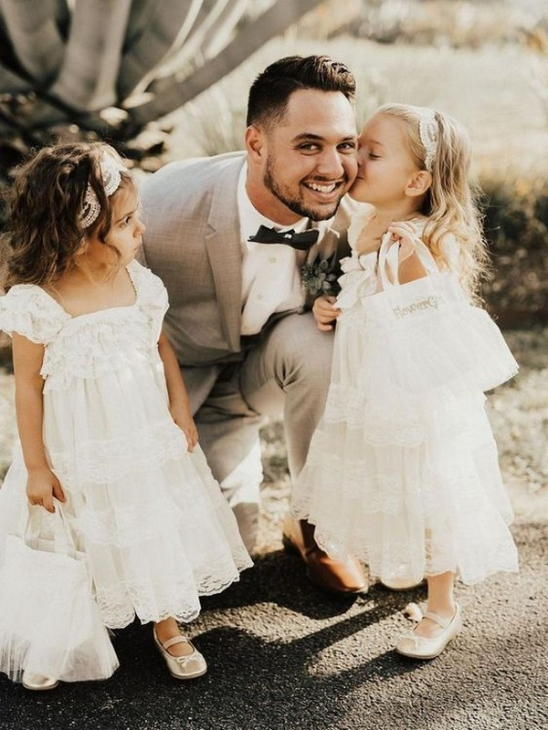 must have wedding photos groom and kids