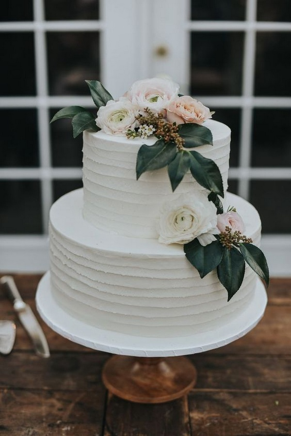pretty pastel wedding cake for intimate weddings