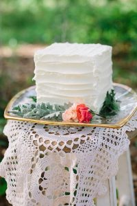 simple small square wedding cake ideas
