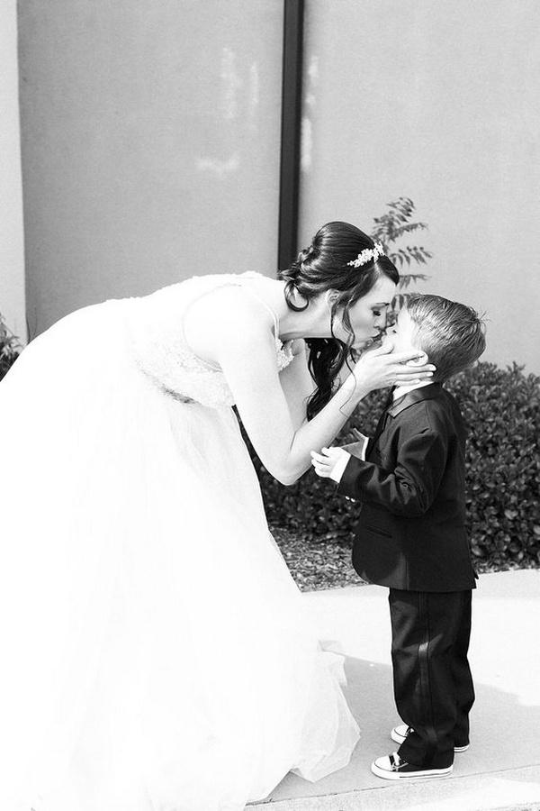 wedding photo ideas bride and kids