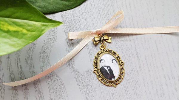 Antique Gold Bouquet Charm - Memorial Photo With Bow Bridal Accessories, Loved Ones Lost, Bride, Memory, Wedding Charms | Pendant