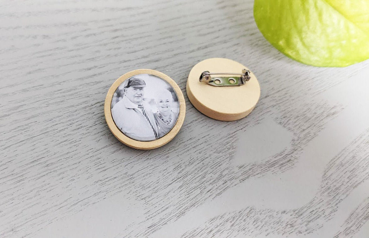 Boutonniere Charm Lapel Pin Memorial Photo Keepsake Tie Clip in Natural Wood -Own Photo - Rustic Shabby Chic Weddings, Groom, Gifts
