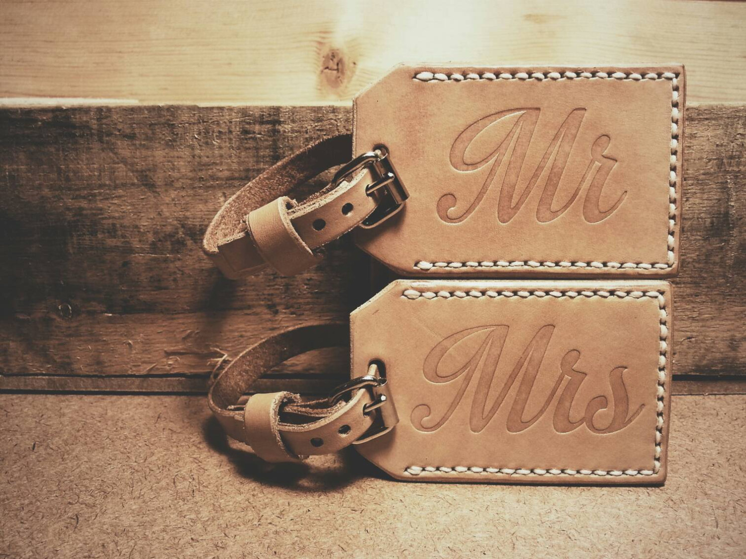 Leather Luggage Tag Mr & Mrs, Premium Bag For Wedding Gift, Anniversary 3rd Or Honeymoon