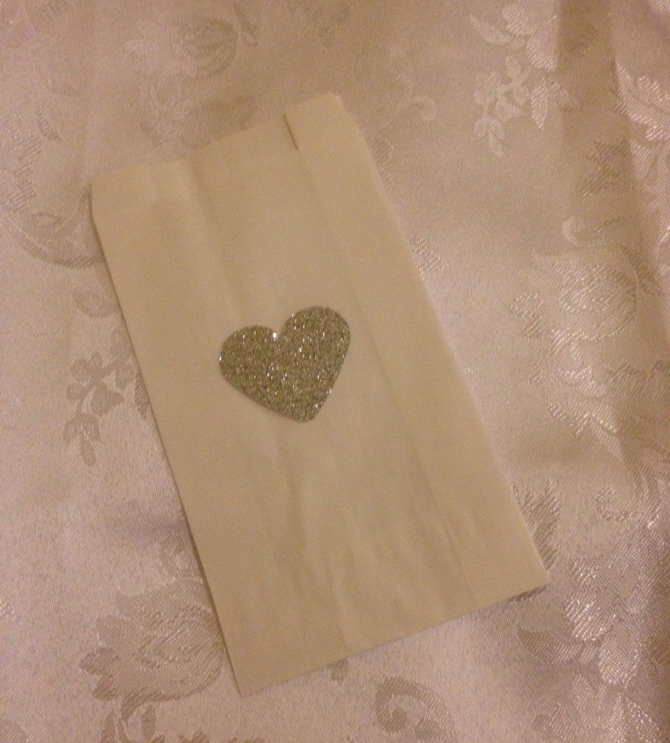 25 X Silver Glitter Heart White Cake Bags - Wedding Or Event Sweet