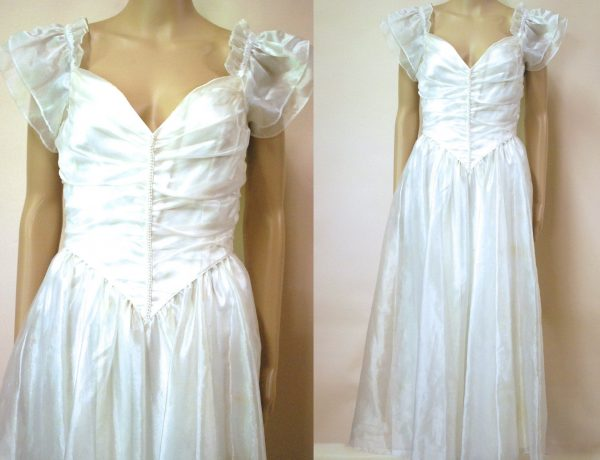 70S Organza Silk Beaded Wedding Gown Dress, Vintage Retro Silver White Dramatic Puff Sleeve Layered Sweetheart Neckline Vtg 1970S Size Xs