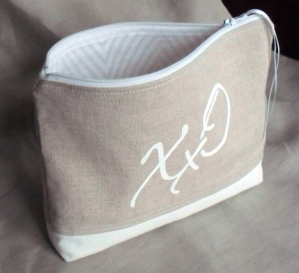 Clutch Bag, Makeup Toiletries Mother's Day Gift, Bridesmaid's Favour, Wedding Clutch - Kisses & Hugs Design, Fully Lined