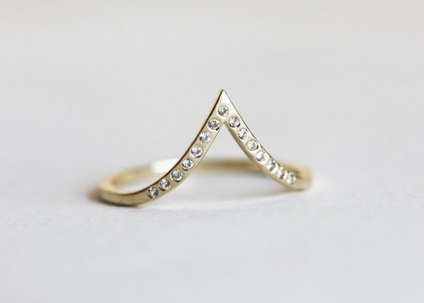 Diamond Curved Wedding Band, 14K Solid Yellow Gold Pointed Ring With Flush Set 1mm Diamonds, Thin Nesting Chevron