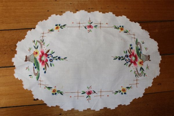 Embroidered Tablemat - Embroidered Centrepiece Floral