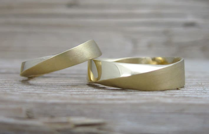 His & Hers Wedding Rings Set, Mobius Bridal Wedding Mobius Strip Ring, Twisted Bands, Yellow Gold Bands