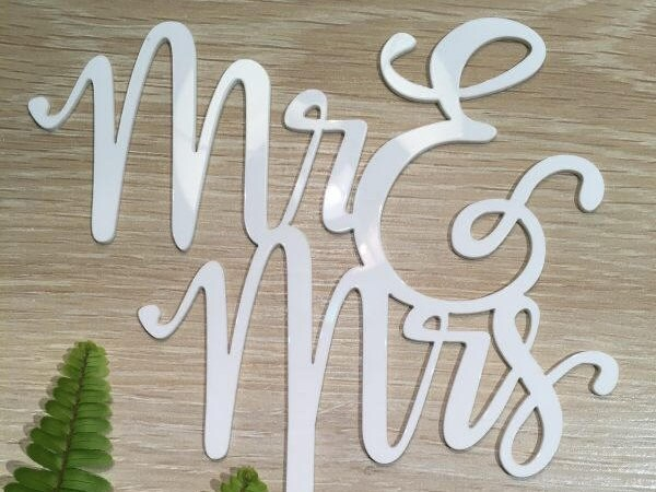 Mr & Mrs | Two Lines Acrylic White Gloss Wedding Cake Topper
