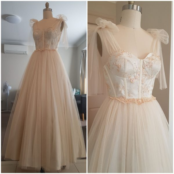 Princess Lace Dress Size 8 Made in Australia By Nate Free Shipping