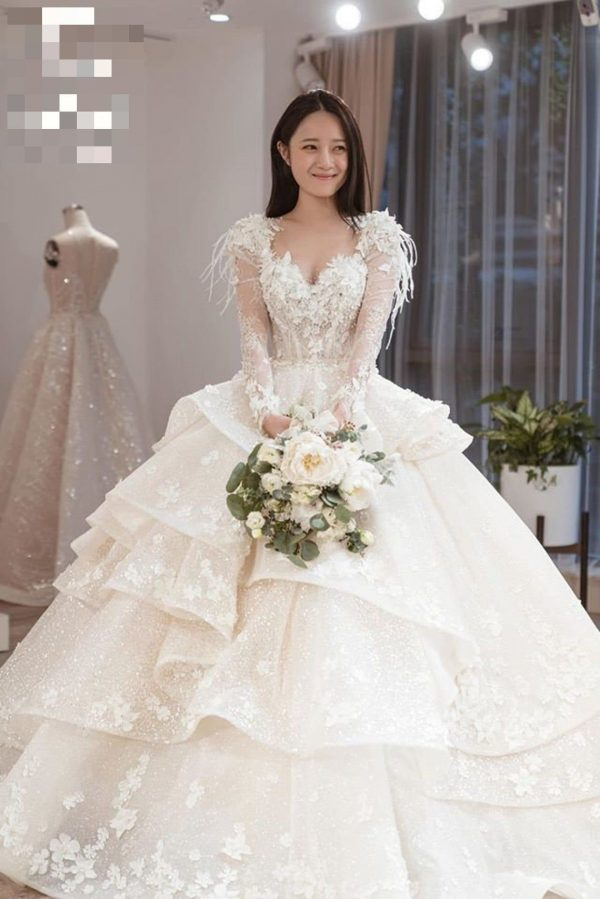 Unique Crystal Sparkling Flowers Lace Princess Wedding Dress Made To Order, Luxury Long Sleeves Beaded/Layered Bridal Gown