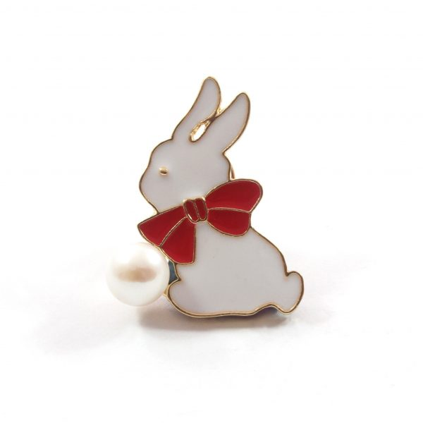 White Rabbit Freshwater Cultured Pearl Brooch 9.5-10.0mm