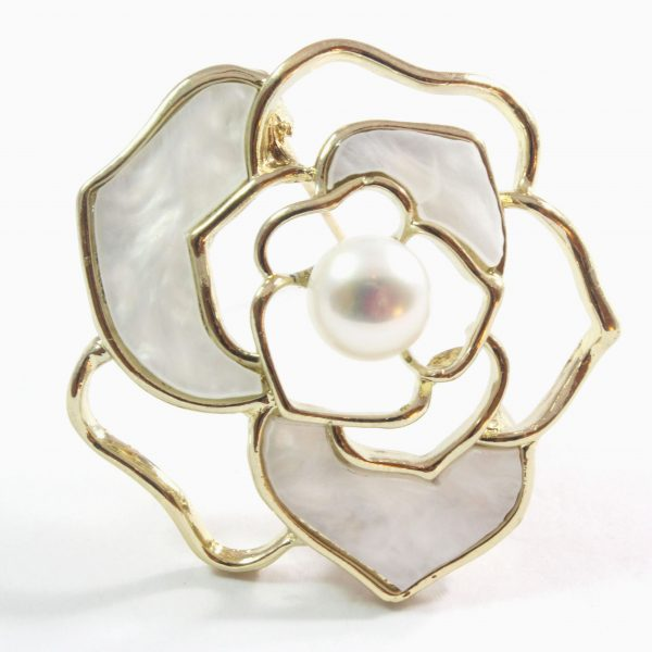 White Rose Freshwater Cultured Pearl Brooch 9.5-10.0mm