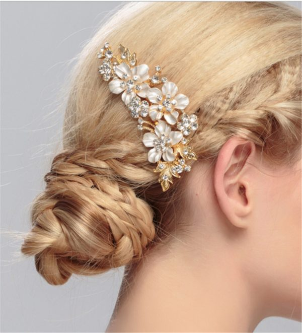 Women Prom Party Bride Bridal Wedding Crystal Gold Color Comb Pin Styling White Flower Headpiece Headwear Night Hair Accessory Jewlery