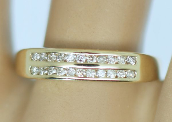 A Classic 9Kt Yellow Gold Lady's Natural Diamond Channel Set Wedding/Anniversary/ Engagement Band Jewellery .40Ct Size 9 R