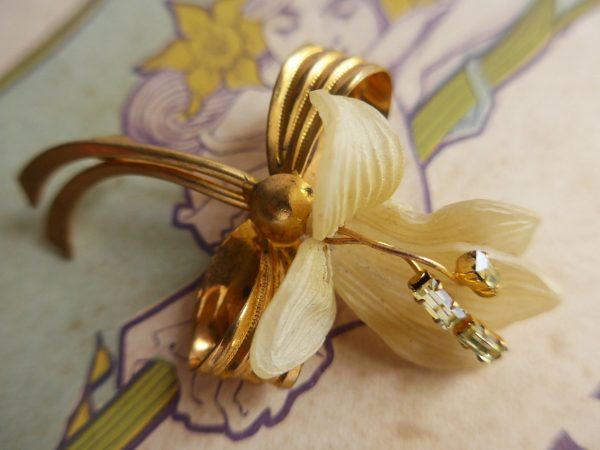Art Deco Floral Brooch 1930Th/Early Plastic Blossom & Rhinestones Excellent Condition Collectors Item Bridal Jewellery