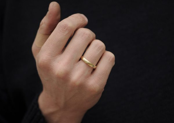 Mans 4mm Wedding Ring in 18K Gold - Band